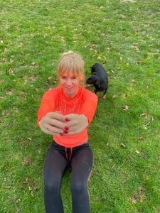 Crunches. Trainingsschema 2. Workout thuis of buiten