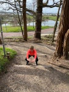 Jumping squat trap. Trainingsschema2. Workout thuis of buiten