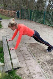 Push-ups. Trainingsschema 1. Workout thuis of buiten