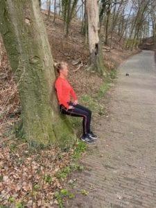 Wall-sit Trainingsschema 2 workout voor buiten en thuis